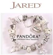 Jared: Pandora潘多拉圣誕風格飾品特賣+美境免郵