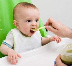 新手媽媽們看過來!超實用:寶寶輔食添加全攻略