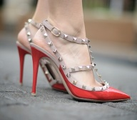 Ssense:Valentino 经典铆钉女鞋 全线上新