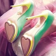 小S推荐Charlotte Olympia爱心金色防水台经典高跟鞋 $670(约4288元)