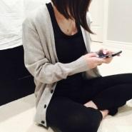 网红北美败姐亲身演绎美式性冷淡品牌Everlane2016最新灰色羊毛开衫$75(约487元)