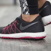 Famous Footwear:精選專區內Nike、Adidas等品牌鞋履第二雙半價