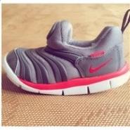 甜馨同款补货啦!Nike耐克毛毛虫 小童款机能运动鞋 2色可选 新降价