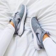 【折扣区上新!】Nike 耐克 NIKE JUVENATE 女士运动鞋 黑/白两色选