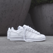 adidas Originals  White Superstar 全白款运动鞋 $61(约442元)
