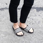 三条杠燥起来!【中亚Prime会员】Adidas 阿迪达斯 Duramo 男女经典拖鞋 到手价138元