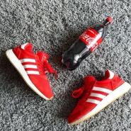 有满减呦!余文乐亲自曝光的 adidas Originals 三叶草 Iniki Runner 系列 男士休闲鞋 红色 $110(约797元)