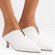 """Tibi """"U""""型 猫咪跟尖头鞋 £346(约3019元)"""