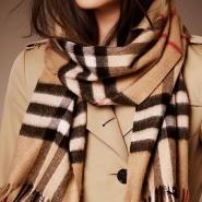 Saks Fifth Avenue:精选 Burberry 经典格纹围巾