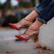 【低至5折!】 SSENSE :精选 Valentino 经典时尚铆钉鞋
