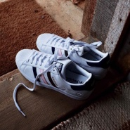 Mr. Porter US 官网 : 精选 Balenciaga、Adidas Originals、Givenchy 等大牌男士时尚鞋履