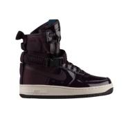 最新款可享8.5折 Nike 耐克 WMNS SF Air Force 1 波特酒红女士休闲鞋