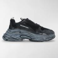 BALENCIAGA Triple S sneakers 男款老爹鞋