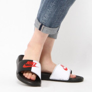 NIKE 黑白拼色红LOGO时尚拖鞋