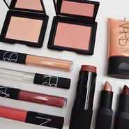 Fabled by Marie Claire:NARS 裸光奇迹蜜粉饼、双色眼影等彩妆