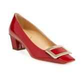 "Roger Vivier 紅色亮皮高跟鞋 <b style=""color:#ff7e00"">$600(約4,028元)</b>"