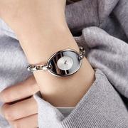 Calvin Klein 卡爾文·克萊恩 Distinctive 系列 銀色鏈條式女士時尚腕表 K3H23126