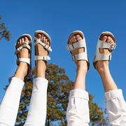 Birkenstock 經典白色休閑平底拖鞋