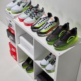 """【開跑】FinishLine:精選 adidas、Nike 等男女運動鞋服、配件 <b style=""""color:#ff7e00"""">額外7.5折</b>"""