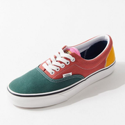 Urban Outfitters US:折扣區精選 Vans、Nike 等服飾鞋包