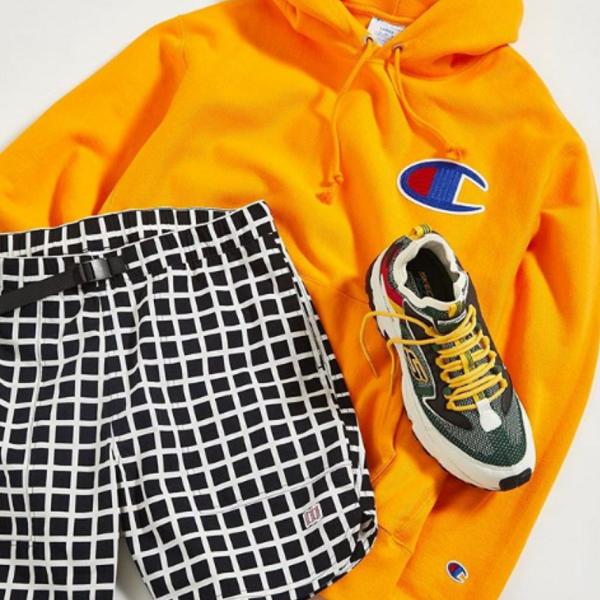 Urban Outfitters:折扣區精選 Nike、Fila、Champion 等時尚服飾鞋包