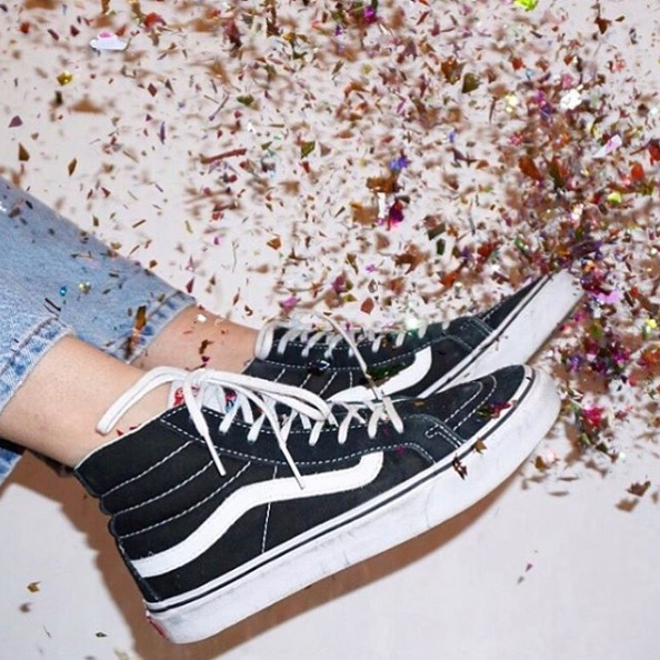 Urban Outfitters UK 官网:精选 Vans  男士运动鞋低至5折 断码快!