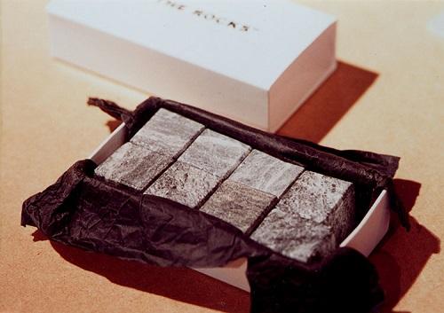 新奇好物:ON THE ROCKS 芬兰 饮品用 制冷冰爽石8块 3456日元(约208元)