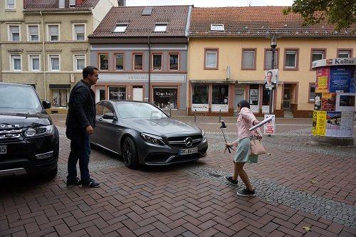 5姐带你走进德国BA保镖商城第二更——来自实体店的信赖