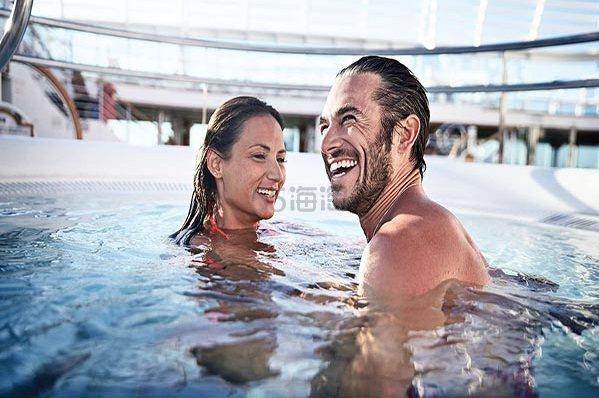 带着心爱的人一起坐邮轮去夏威夷,享受你们的完美假期