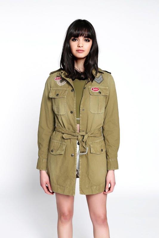 买不起皮草款,就买这款 Mr & Mrs Italy 军事风帆布夹克