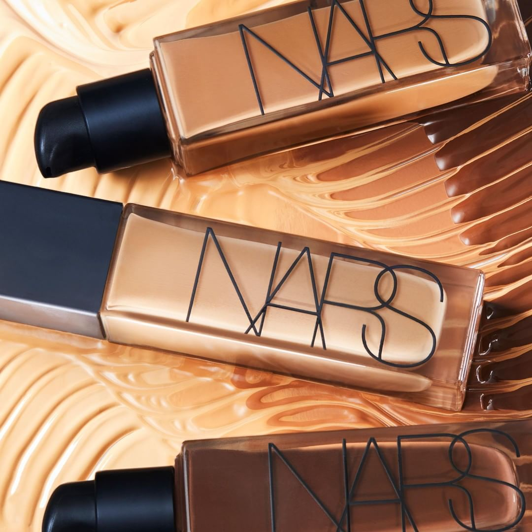 Fabled by Marie Claire:NARS 柔光蜜粉饼等彩妆