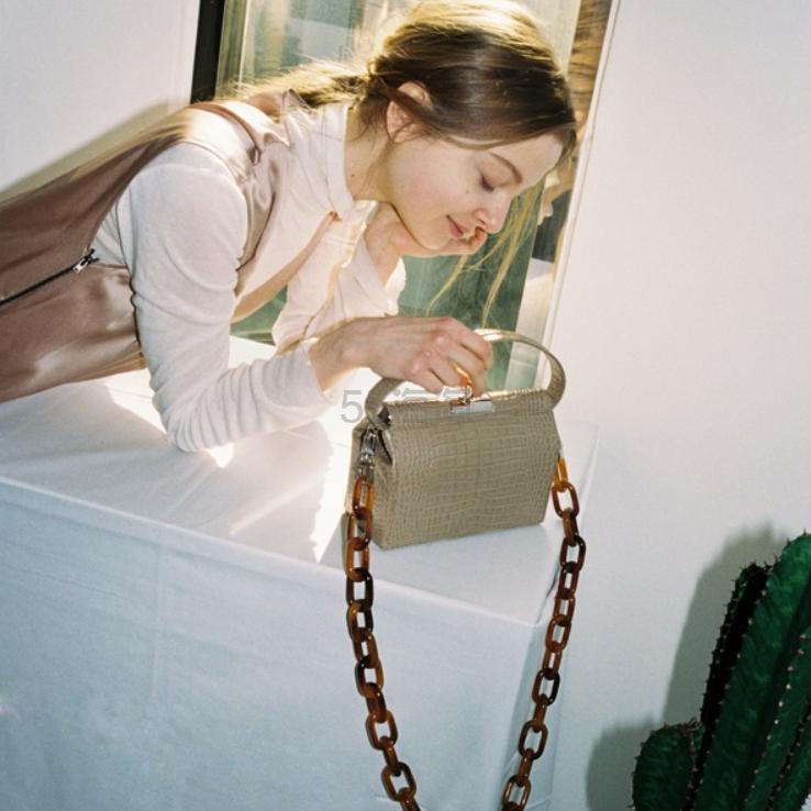 GU_DE Milky 仿鳄鱼纹皮革餐盒手提包 ¥4,381 - 海淘优惠海淘折扣|55海淘网
