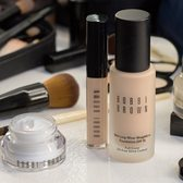 "Saks Fifth Avenue:Bobbi Brown 芭比波朗 <b style=""color:#ff7e00"">精选产品7.5折!</b>"