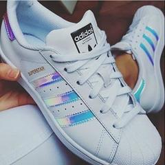 【立享8.5折+免邮中国】Adidas Originals Superstar 炫彩镭射贝壳头大童款