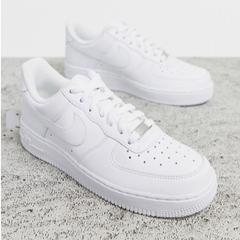 NIKE Air Force 1 白色运动鞋