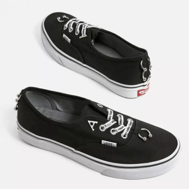 Vans 万斯 X Ashley Williams 联名 Authentic Piercing Trainers 装饰帆布鞋