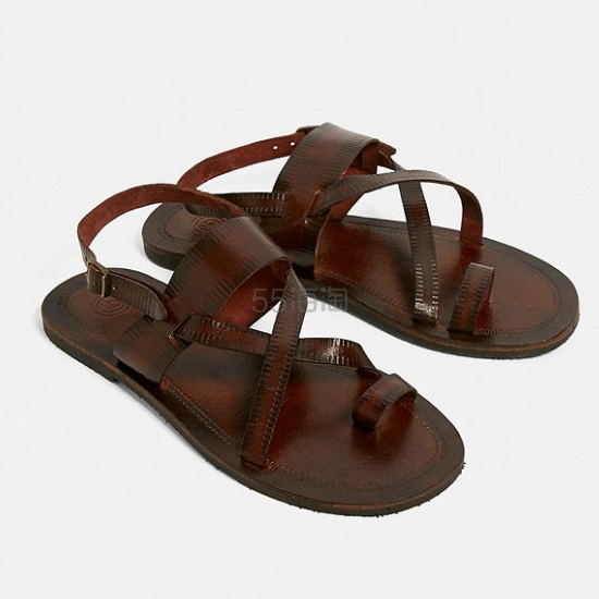 UO Leather Buckle Strap Sandals 平底搭扣皮革凉鞋 £17.5(约150元) - 海淘优惠海淘折扣|55海淘网