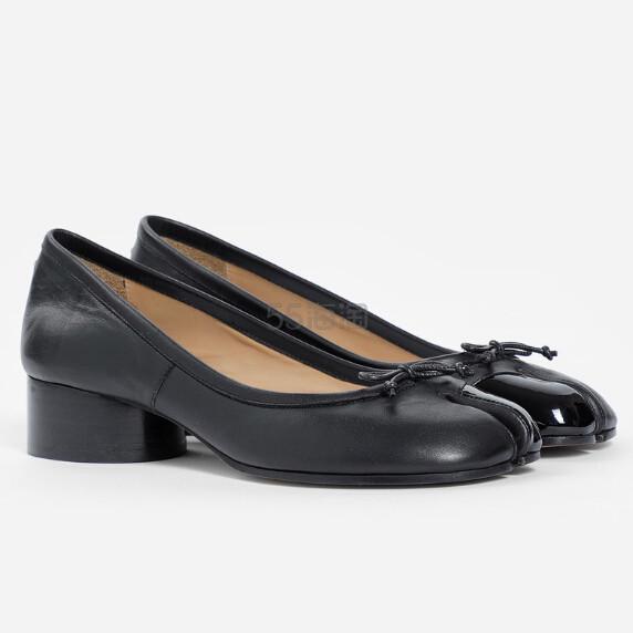 MAISON MARGIELA Flats 女士分趾低跟鞋 €484(约3,714元) - 海淘优惠海淘折扣|55海淘网