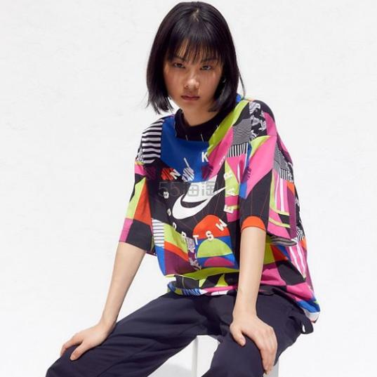 Nike 耐克 Sportswear Allover 印花T恤 .99(约176元) - 海淘优惠海淘折扣 55海淘网