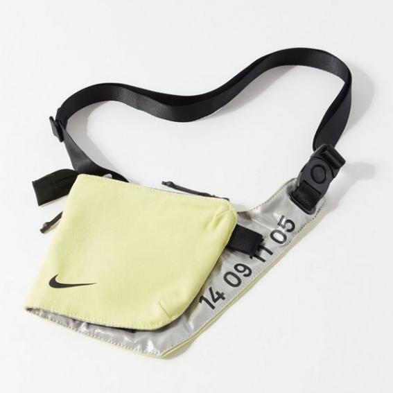 上新!Nike 耐克 Tech Crossbody Bag 科技感斜挎包