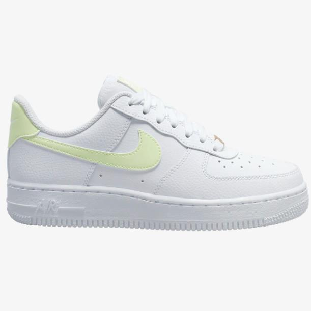 【新款上架】Nike 耐克 Air Force 1 07 LE Low 女子板鞋 白嫩绿