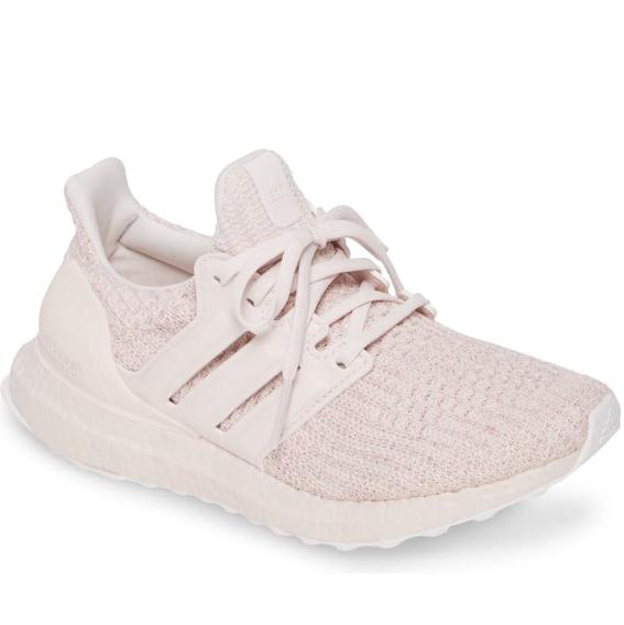 7码有货~adidas UltraBoost 粉色跑鞋