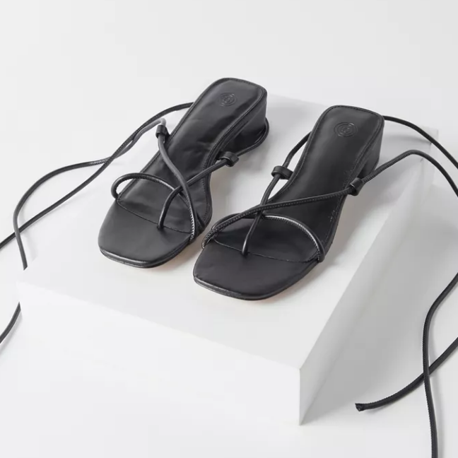 UO Mariana Ankle Wrap Sandal 绑带凉鞋