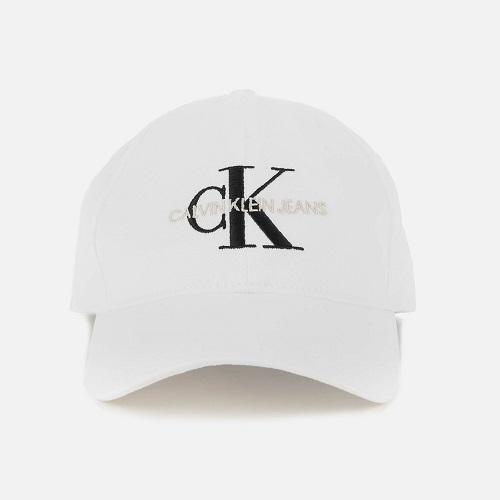Calvin Klein 经典款鸭舌帽