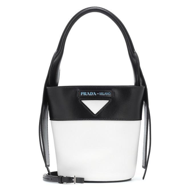 Prada 黑白拼色水桶包