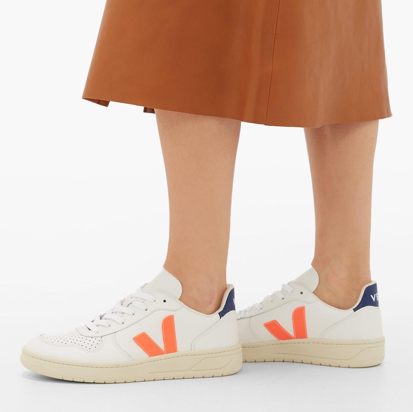 VEJA 白色 V-10 运动鞋