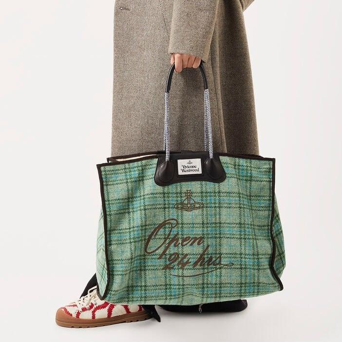 Vivienne Westwood 香港官网:精选服饰鞋包