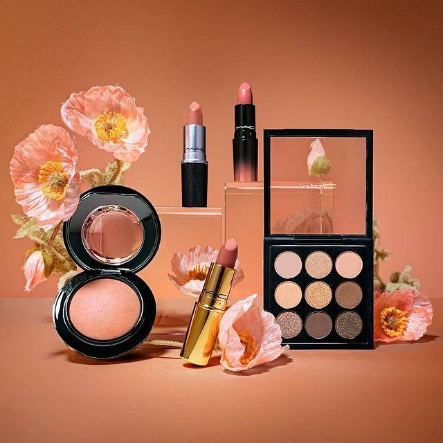 MAC Cosmetics: 15% OFF+Free Gift