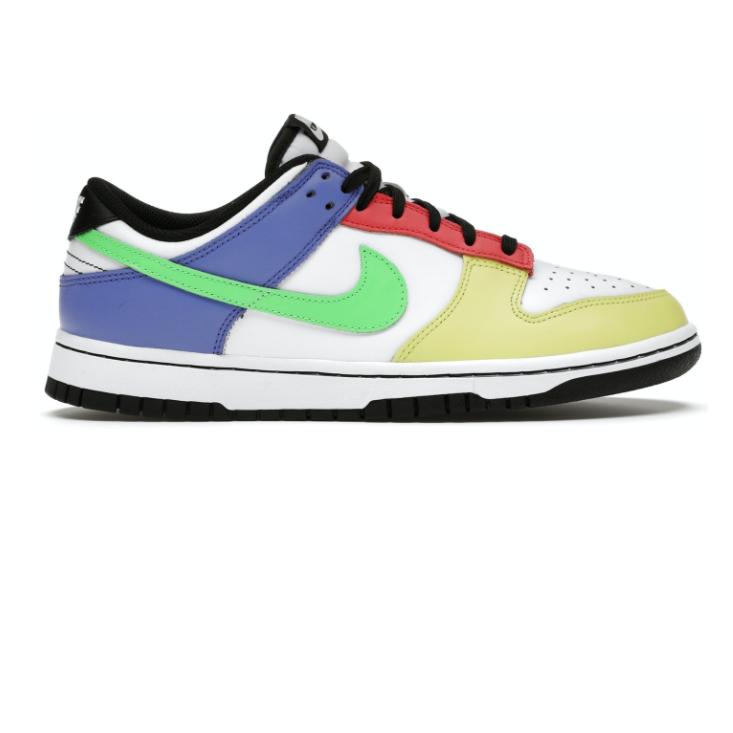 Nike Dunk Low Green Strike (W)