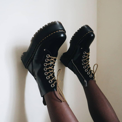 SSENSE:Dr.Martens马丁靴大量上新